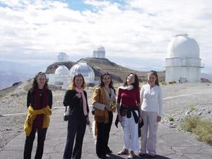 Ximena Mart y Ballet Arabesca en el Observatorio La Silla Noviembre 2004